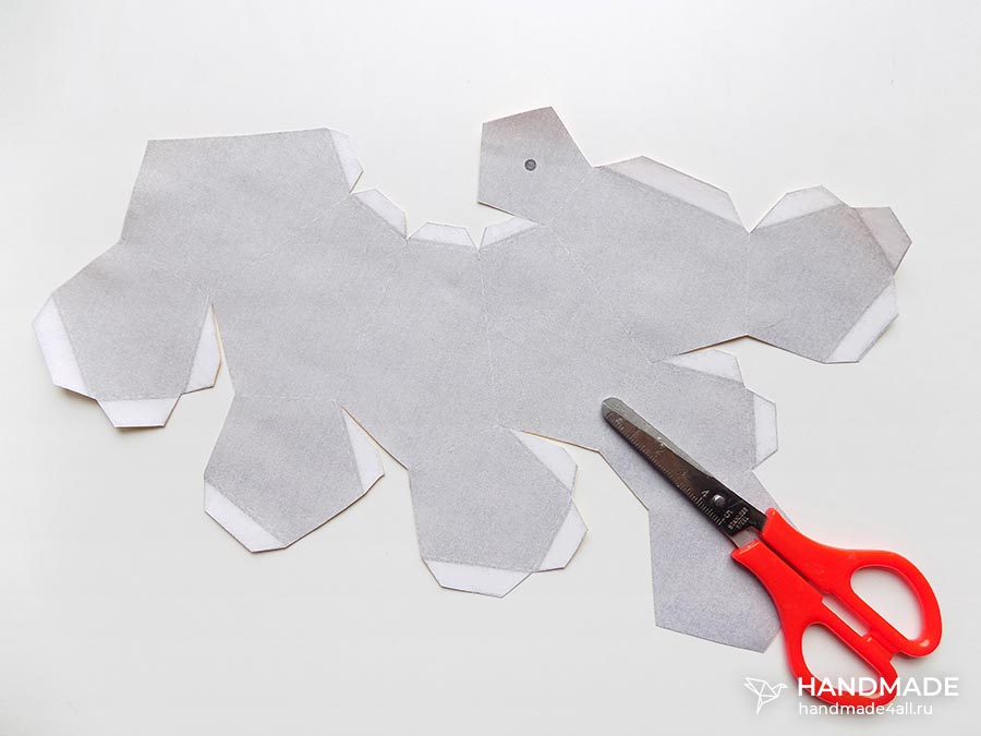 Объемная груша из бумаги